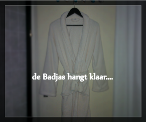 badjas met tekst bij Shmamassage, massagesalon Rotterdam